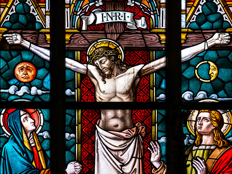 Catholic church idolatry and graven images contradict the Bible